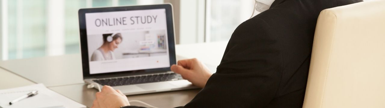 Training Perencanaan Keuangan Untuk Karyawan